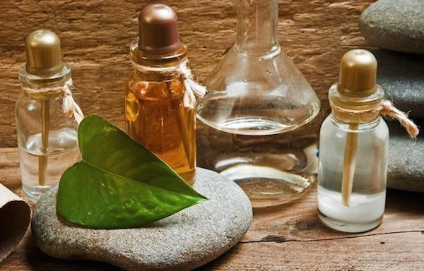 How to Use Essential Oils Image