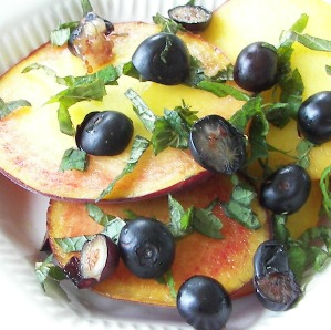 Peaches with Blueberries & Mint