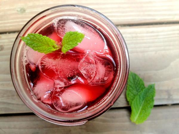 Hibiscus Mint Sun Tea
