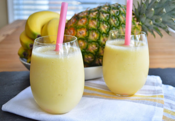 Pineapple & Banana Kale Smoothie