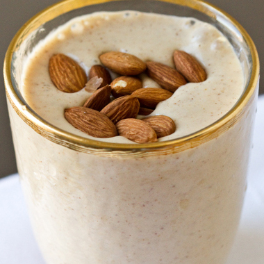 Almond Date Shake with Cinnamon